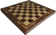Шах - табли с ръчна дърворезба