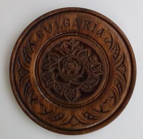 4.50лв Чиния с дърворезба на роза - 22см
