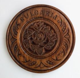 3.50лв Чиния с дърворезба на роза - 18см