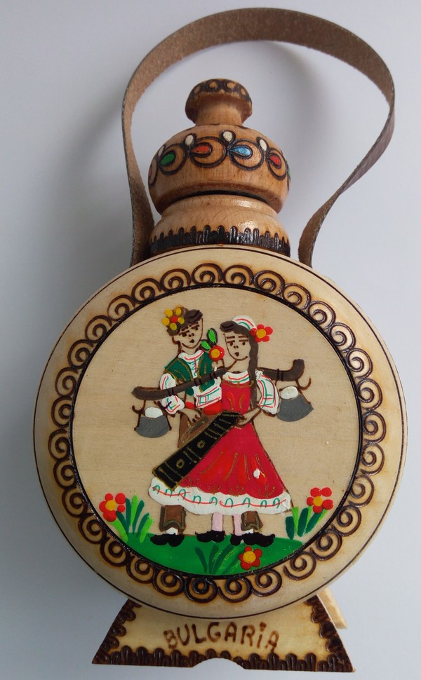 9лв. Бъклица с фолклорен мотив от село Орешак