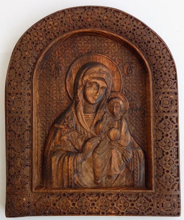 30 лв. Икона с дърворезба на Дева Мария с Младенеца