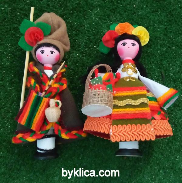 23лв. Сувенир Кукли момче и момиче с носии