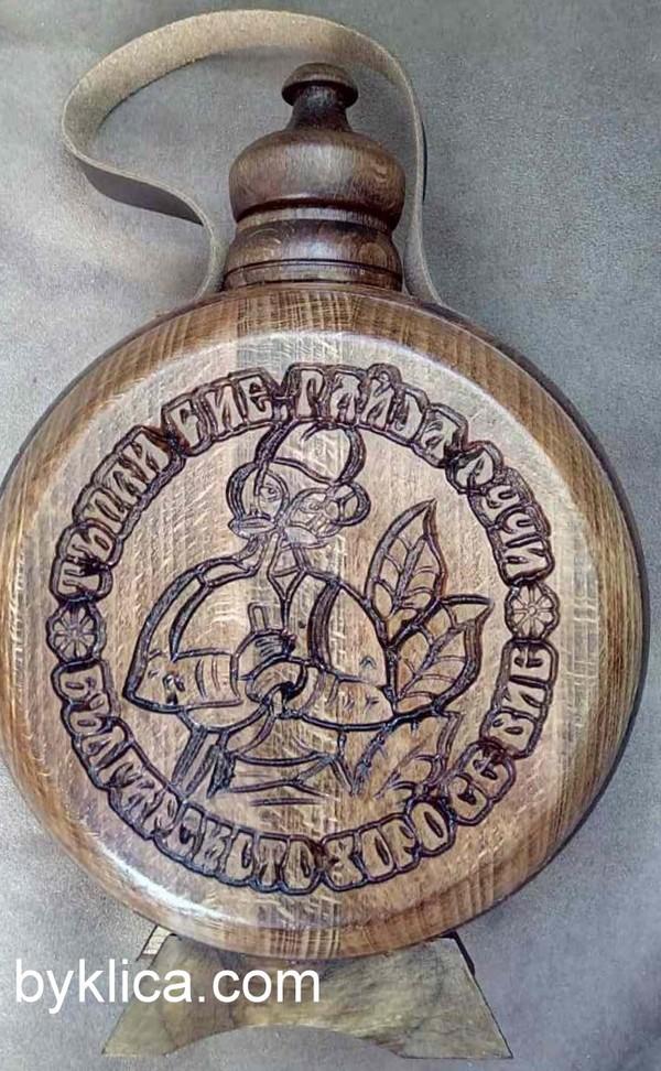 Бъклица с дърворезба на гайдар 1 литър