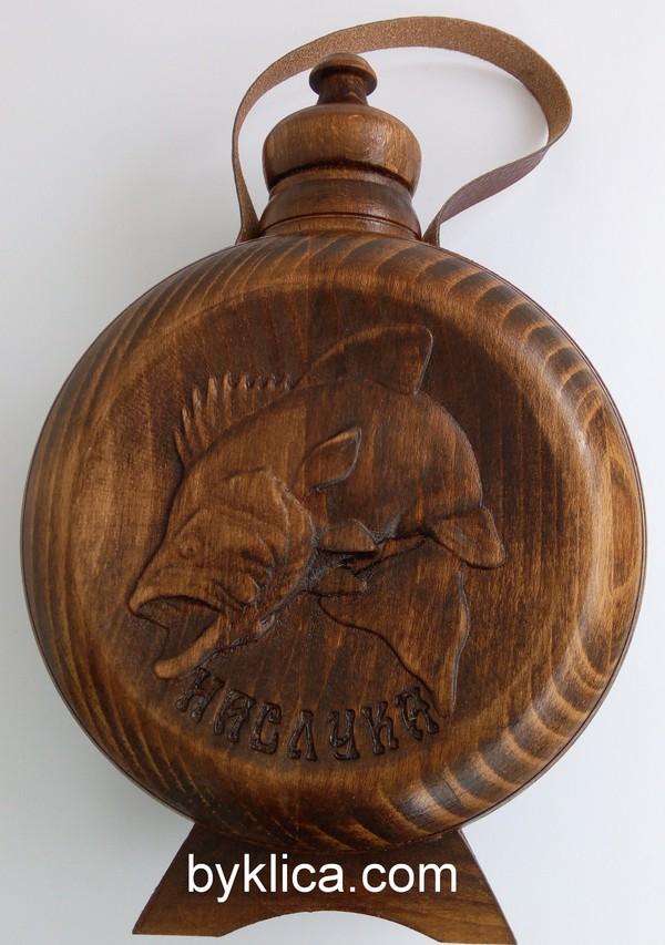 Бъклица с дърворезба на риба 1 литър