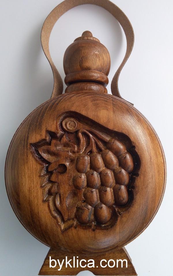 Бъклица с дърворезба на елен 750мл