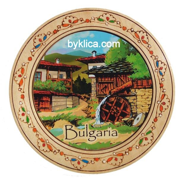 Чиния сувенир с пирография Спомен от България 15 см