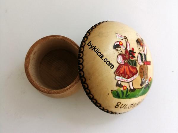 Кутия за бижута дървена Момиче и момче ръченица