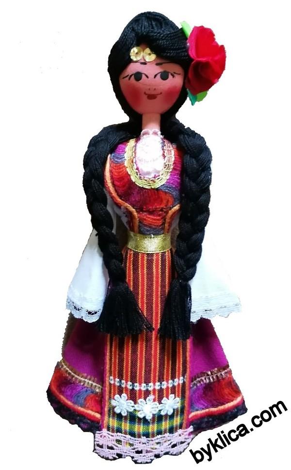 21.00 лв. Дървена кукла сувенир