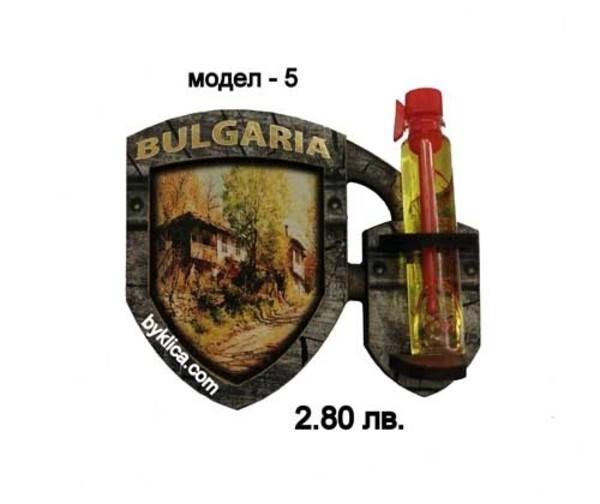 2.80 лв. Магнити за хладилник с фиолка