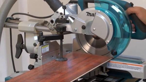 Циркуляр настолен с герунг и изтегляне Makita LS0815FL, 1400 W, ф 216х30 мм