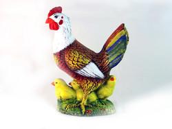 Кокошка с пиленца