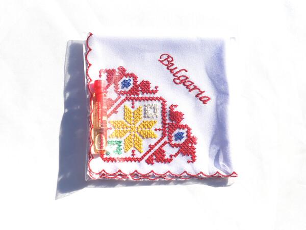 Бродирана кърпичка с есенция